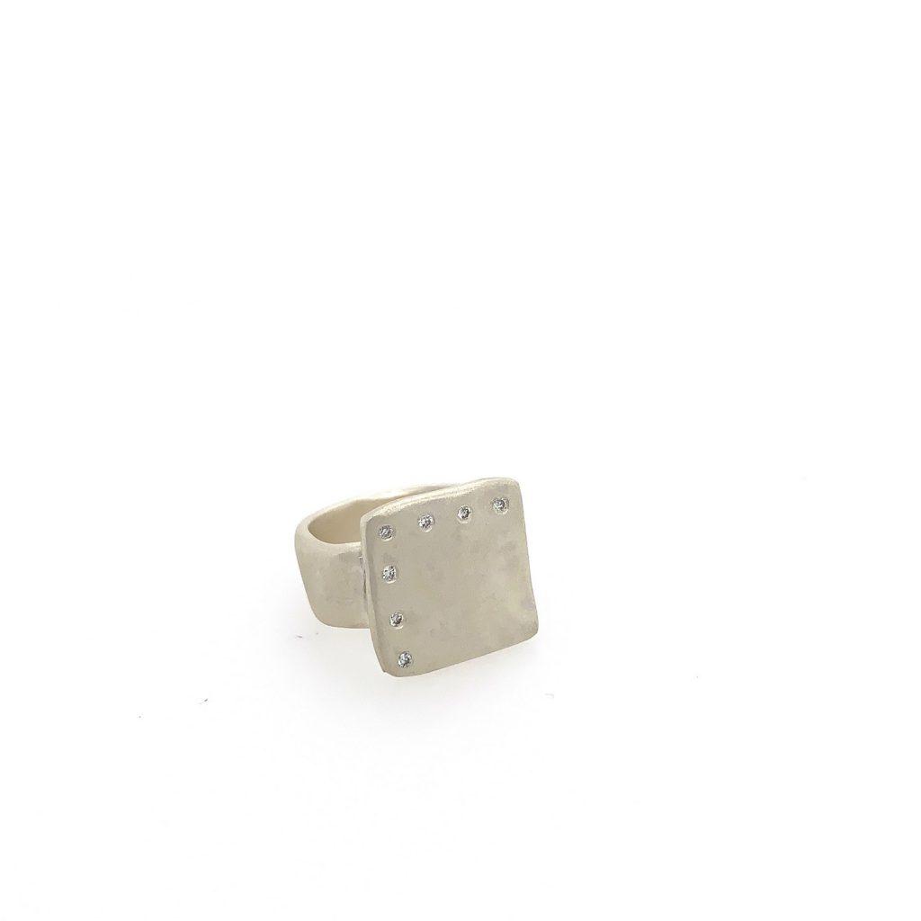 Square Top 7 Diamond Ring
