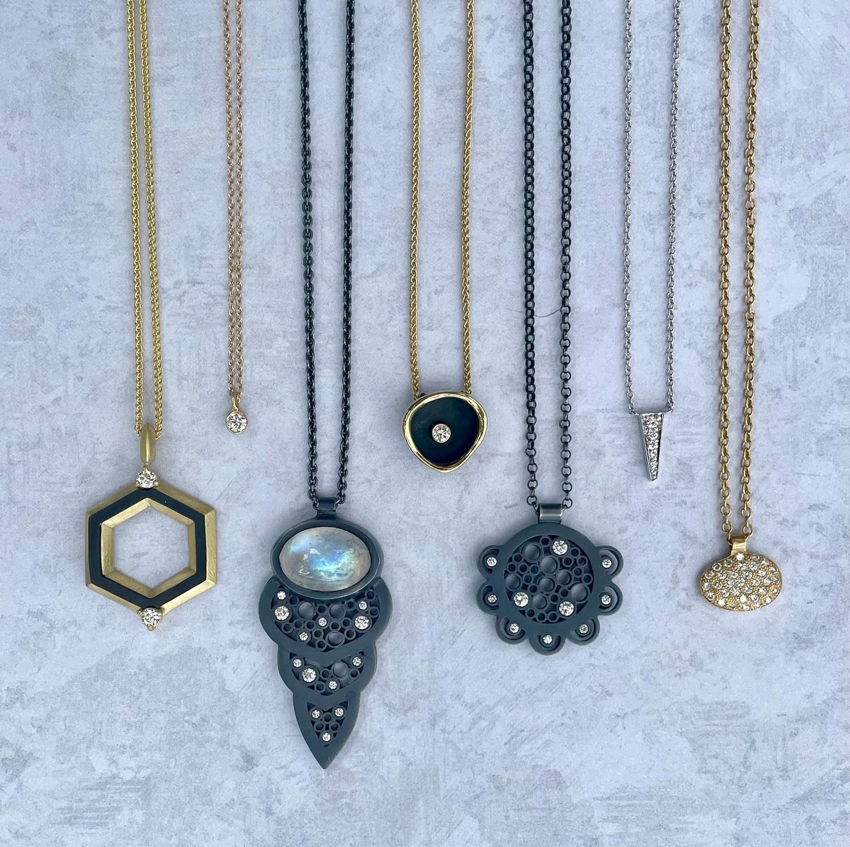 7 pendant necklaces
